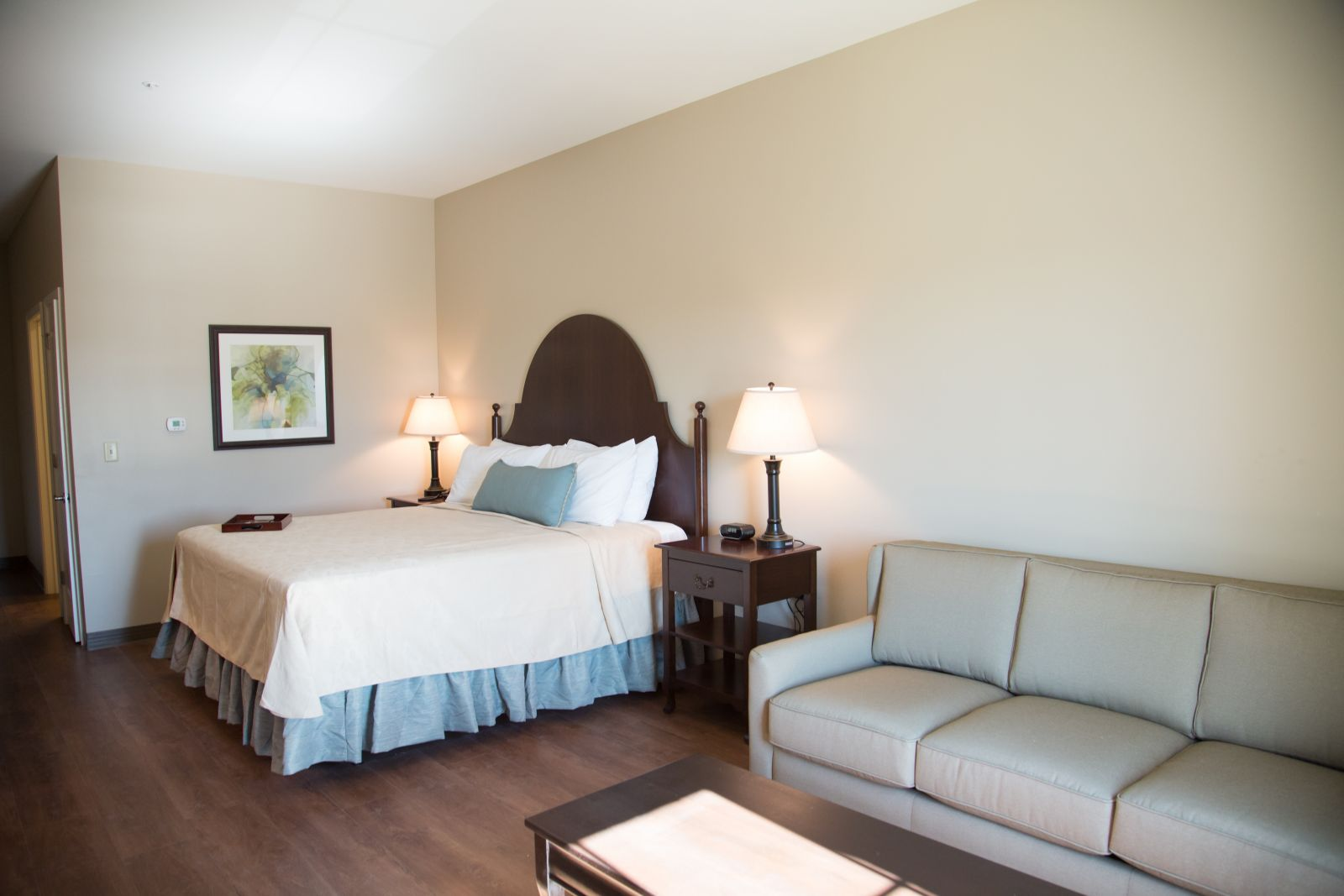Room Features One King Bed With A Luxuriously Handcrafted Mattress And  Premium Linens. All Superior King Rooms Are Appointed With Custom Furniture,  ...